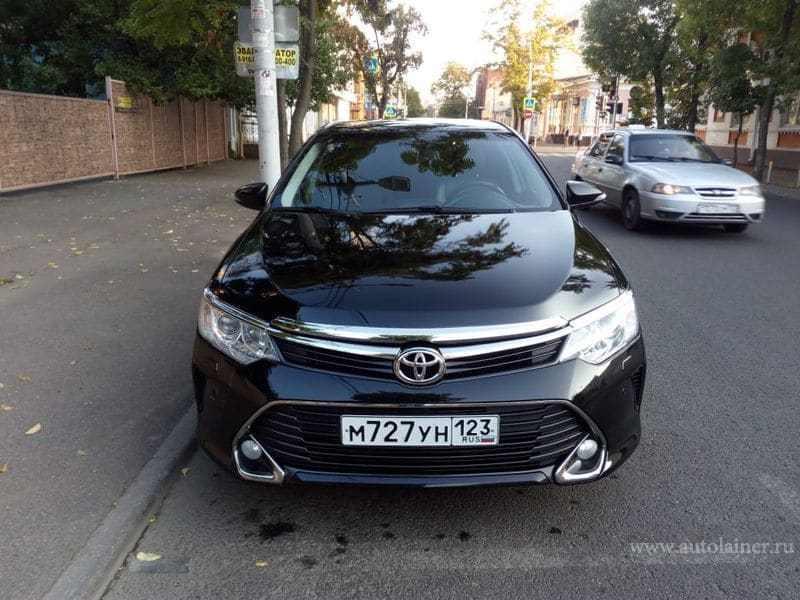 Toyota Camry, черный