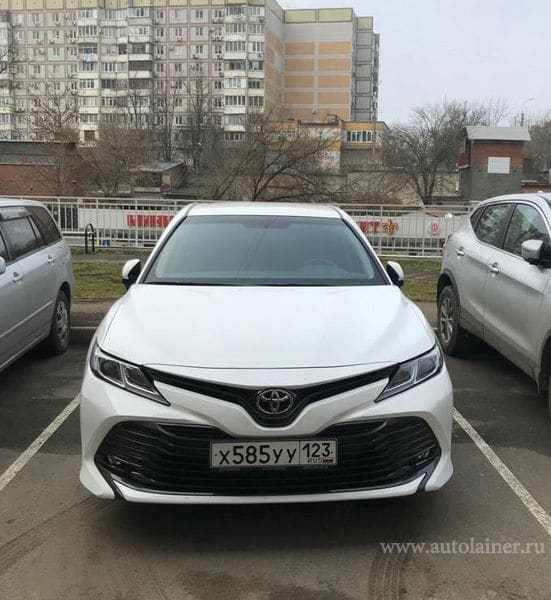 Toyota Camry, белый